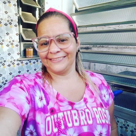 Noticia Destaque Tathiana França Nepomuceno, 42 anos, dona de casa 'Me ver sem a mama foi difícil'